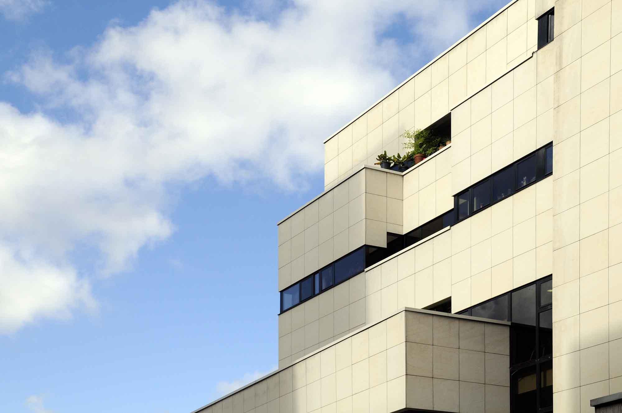 1-architecture-building-paris