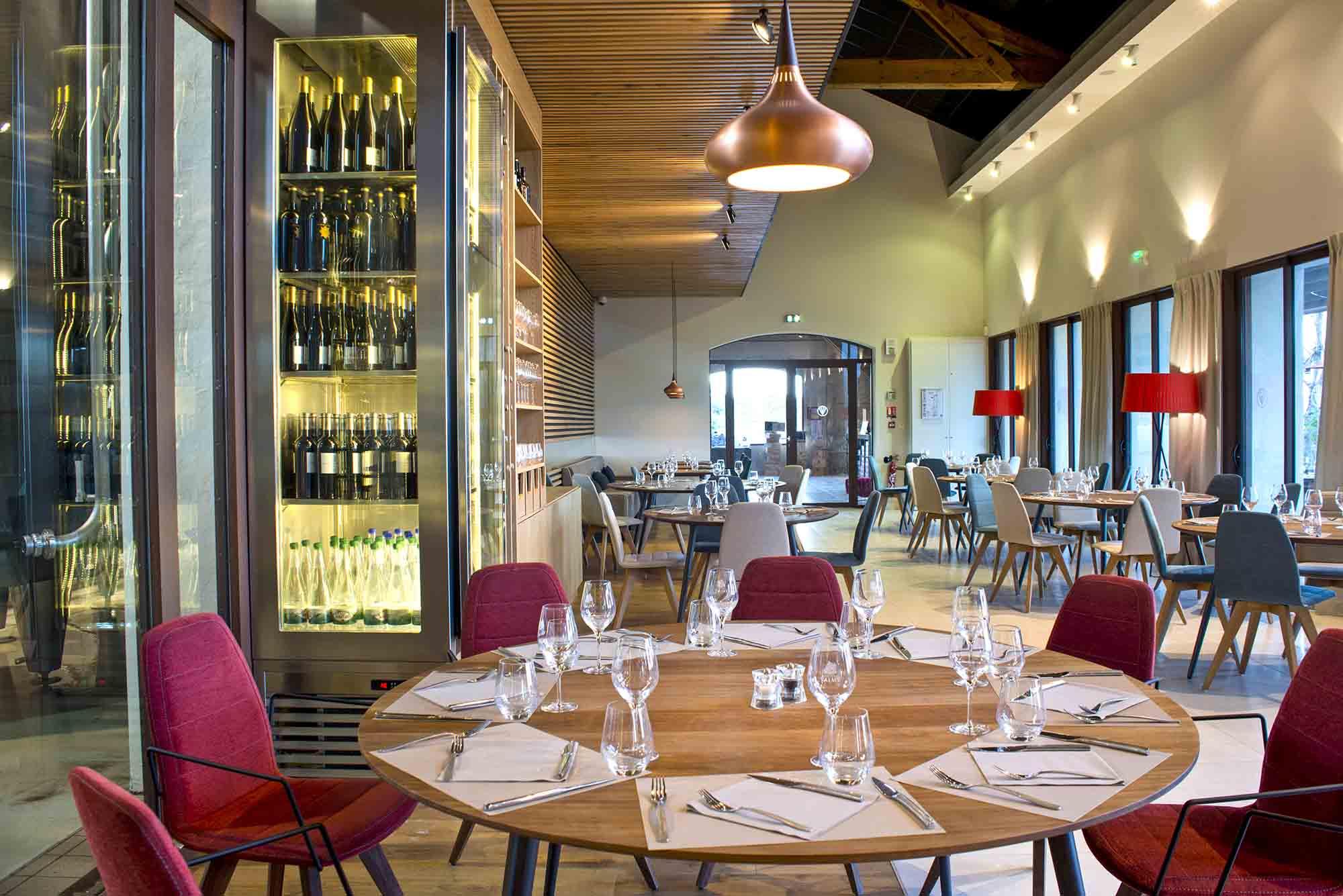 Chateau-Valmy-restaurant-agence-architecture-bau-guiral-morlon-photographie-architecte